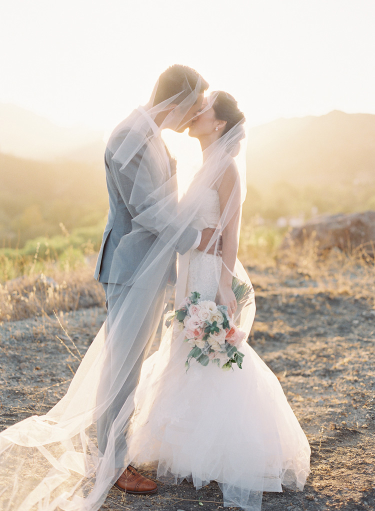 triunfo creek vineyards wedding photography by caroline tran